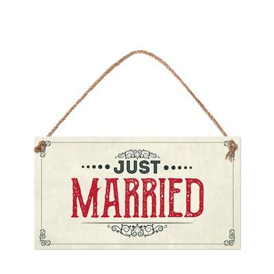 tabelka-just-married